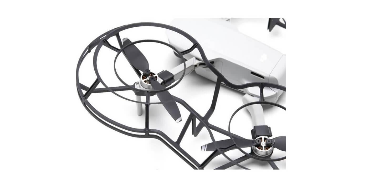 Защита пропеллеров DJI Mavic Mini 360° Propeller Guard (Part 9) с дроном близко