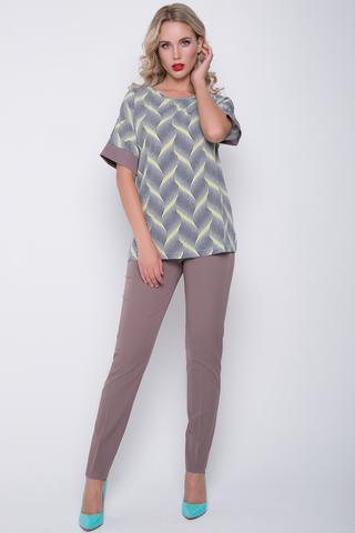 """<p>Ультрамодный брючный костюм. Блузон """"кимоно"""" плюс классические брюки на резинке.&nbsp;</p> <p>&nbsp;</p> <p>&nbsp;</p>"""