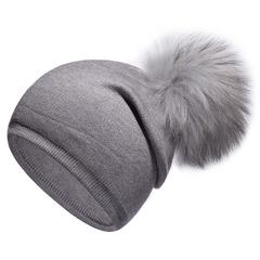 Вязаная женская шапка с натуральным помпоном, ангора (серая)