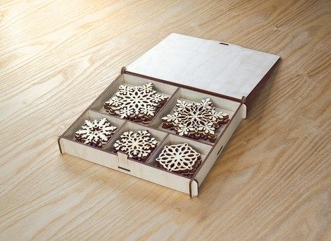 25 уникальных снежинок из дерева с коробкой