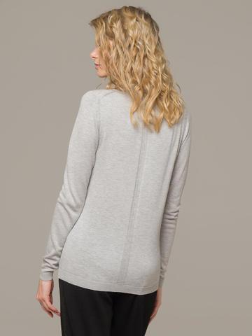 Женский джемпер цвета светло-серый меланж из шерсти и шелка - фото 2