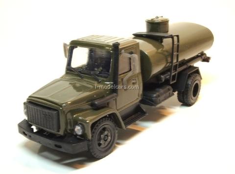 GAZ-3309 tank khaki Kompanion 1:43