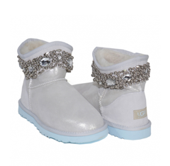 /collection/kids-classic-short/product/ugg-kids-jimmy-choo-crystal-i-do
