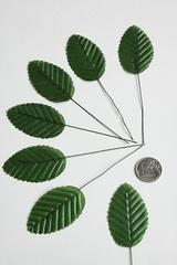 Листья тканевые 5 см на проволоке, 10 штук.