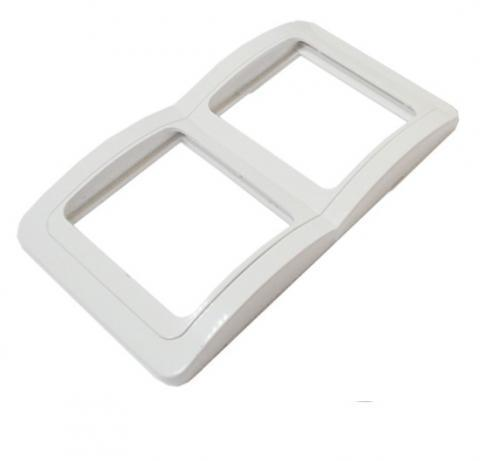 Рамка 2-ая вертикальная белая