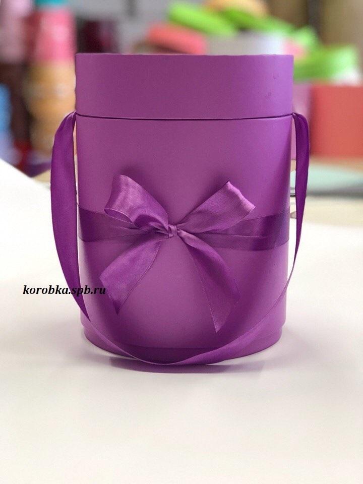 Шляпная коробка D 16 см .Цвет: фиолетовый . Розница 300 рублей.