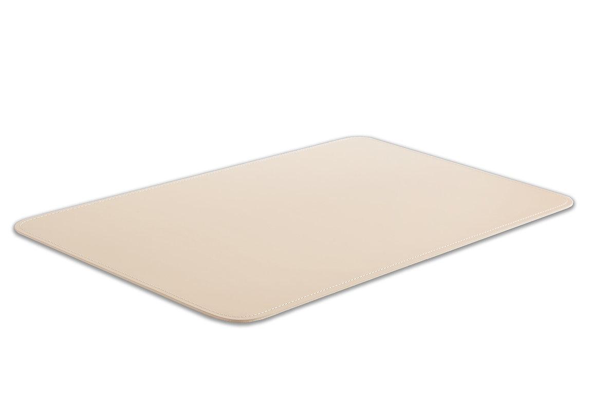 светлый кожаный коврик на стол