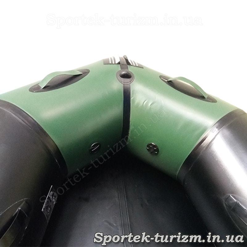 Вид на ніс зсередини гумовою гребно-моторного човна Aquastar С330