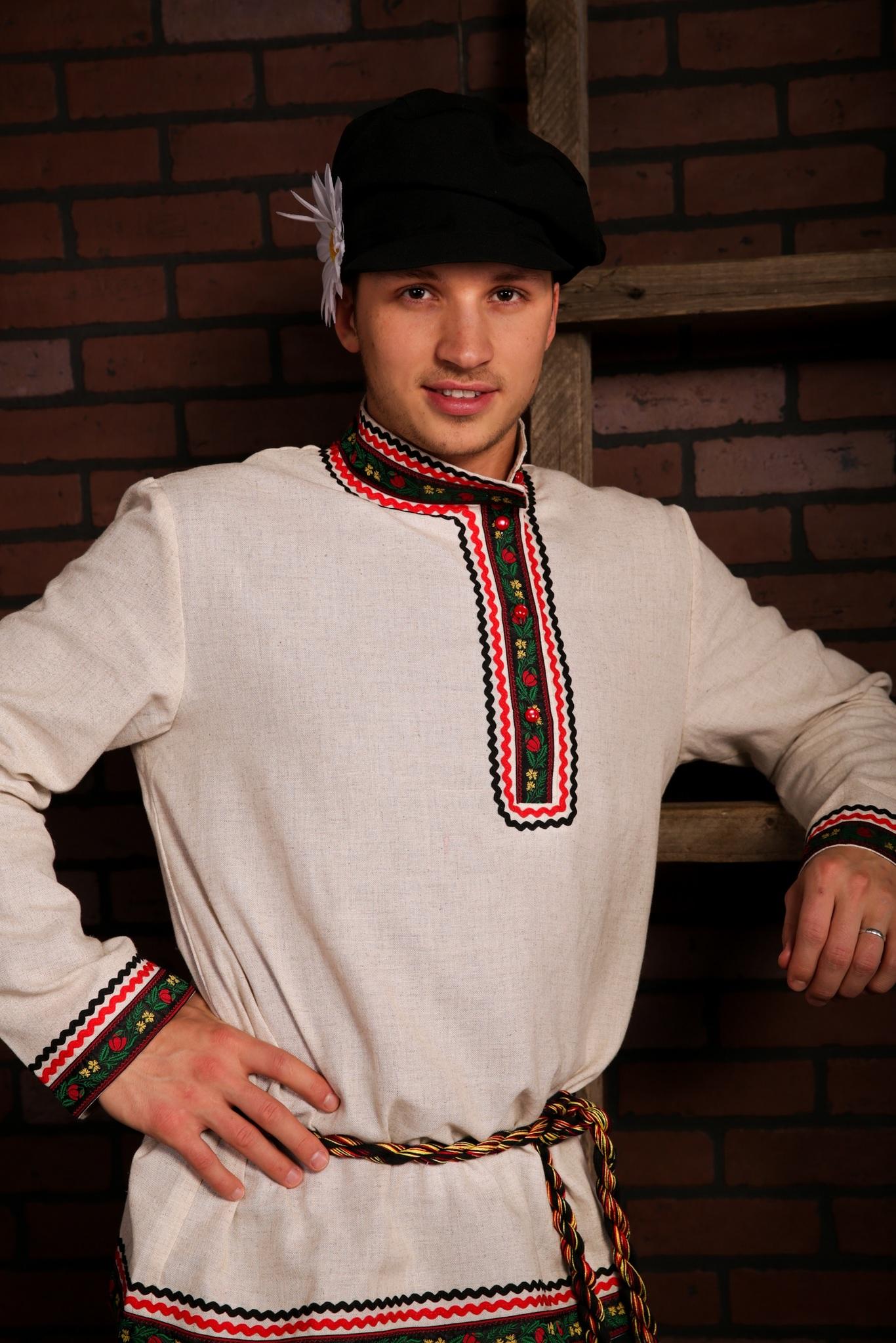 Русский мужской костюм Богатырь приближенный фрагмент