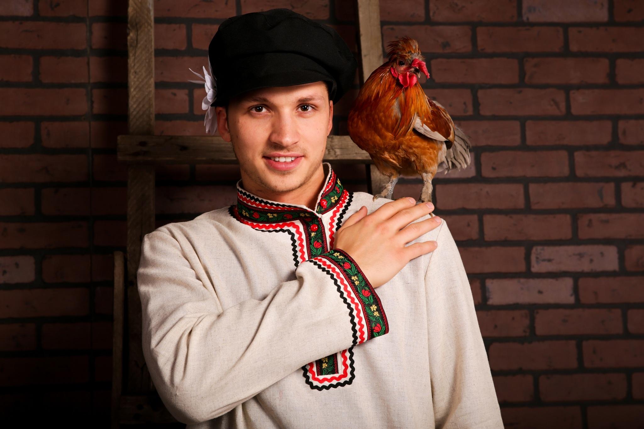 Русский мужской костюм Богатырь увеличенный фрагмент