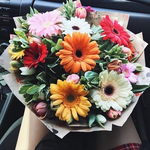 Букет с герберами и тюльпанами #4048