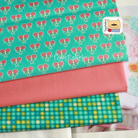 Набор тканей для пэчворка 51751 Цветы на бирюзовом (45х35см/3шт.)