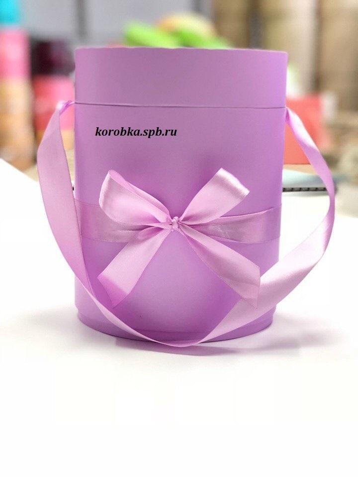 Шляпная коробка D 20 см Цвет: лиловый . Розница 350 рублей .
