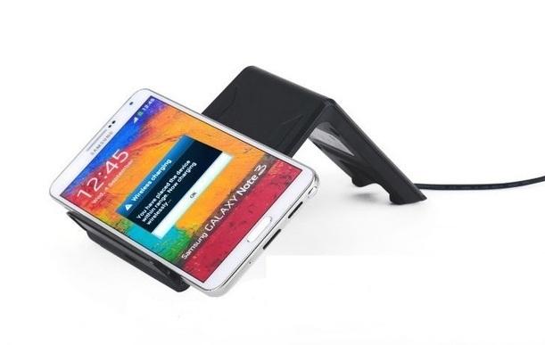 Архив Универсальная беспроводная зарядка стандарта Qi для зарядки смартфонов и планшетов. a010302_2.jpg