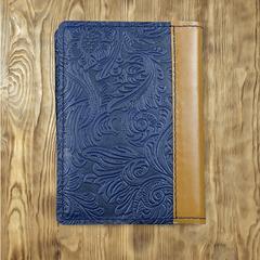 Записная книжка с синим тиснением и рыжим корешком