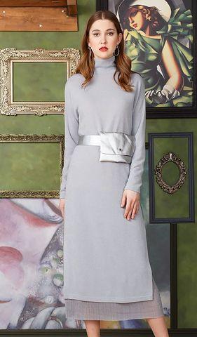 Фото серое трикотажное двойное платье-водолазка с высокими боковыми разрезами - Платье З305а-652 (1)