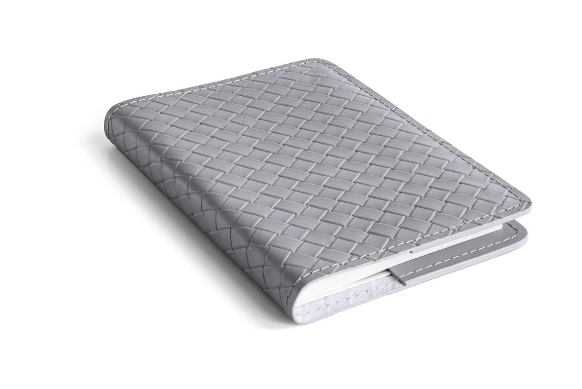 серый кожаный ежедневник с переплетением как bottega veneto