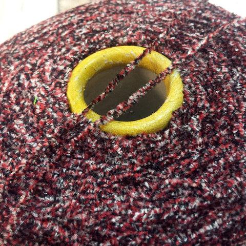 Шелк велюровый HASEGAWA HKA 335 красно-черный меланж