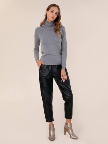 Женский свитер серого цвета из шерсти и шелка - фото 5