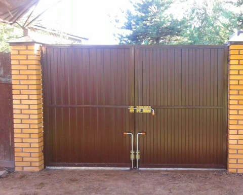 Распашные ворота из профнастила 5000Х2000