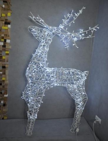 Светодиодная декоративная фигура оленя