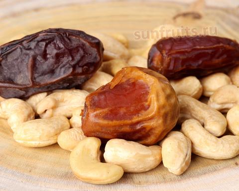 смесь из орехов и сухофруктов премиум