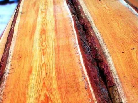Доска необрезная Лиственница 25мм ш 200-400мм