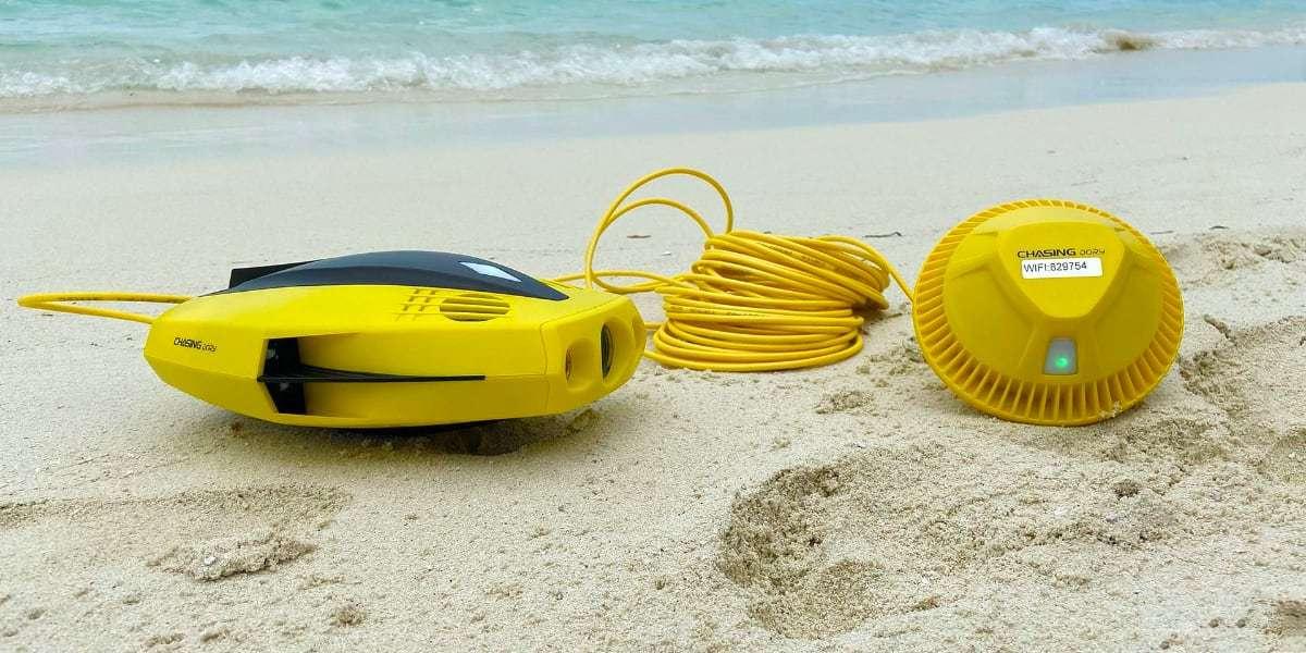 Подводный дрон Chasing Dory на песке