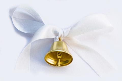 Колокольчик средний для выпускников с белой лентой и булавкой