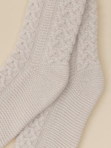 Женские носки молочного цвета из 100% кашемира - фото 2