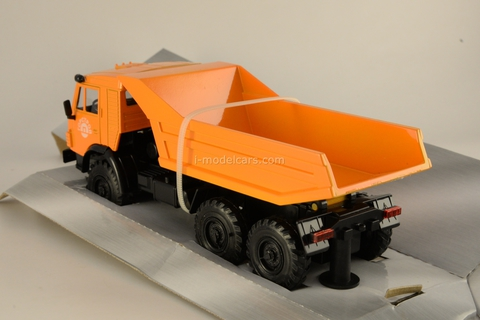 KAMAZ-4310 Tipper 1:43 Technopark