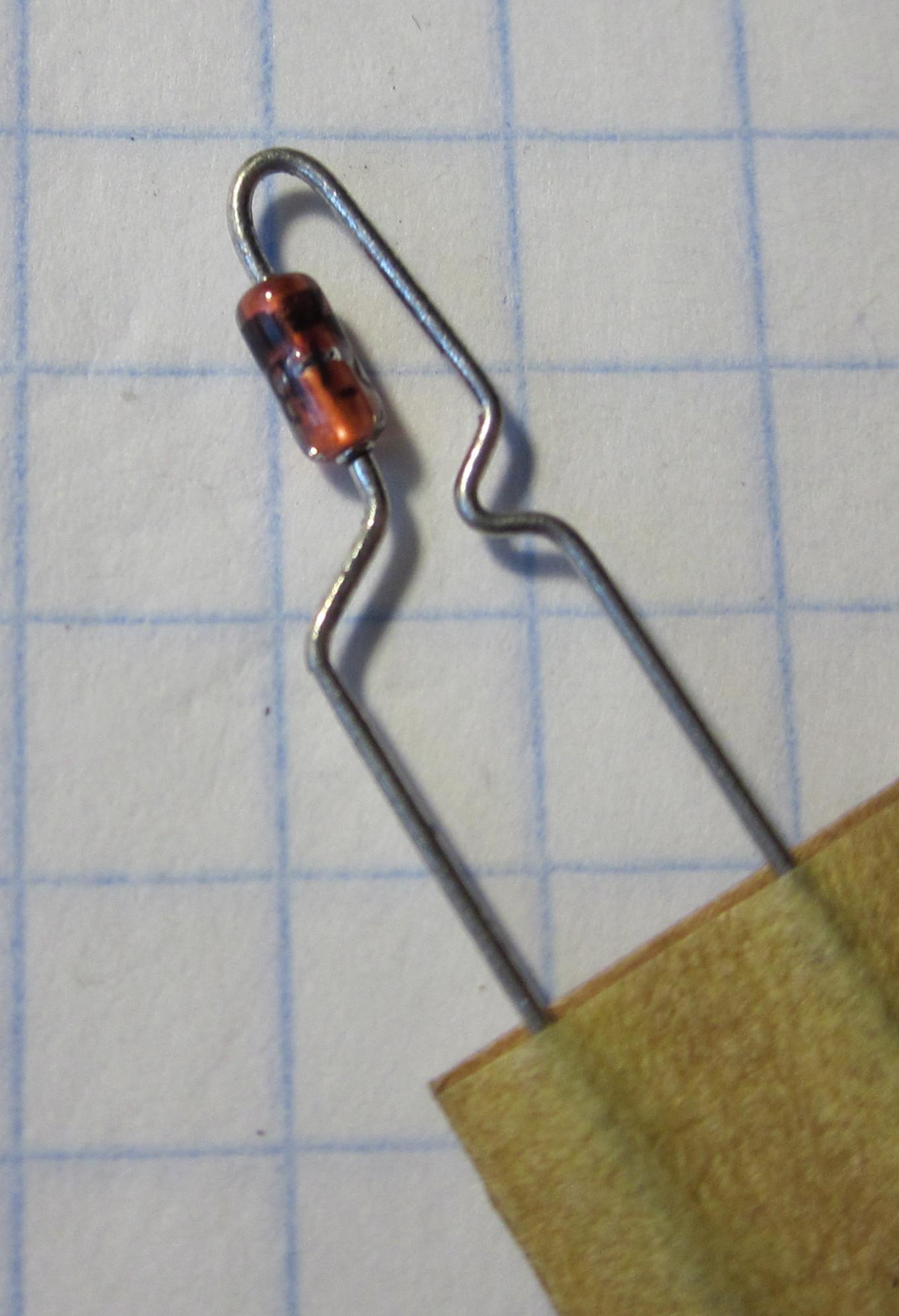 стабилитрон 27V 0,5W