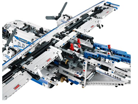 LEGO Technic: Грузовой самолёт 42025 — Cargo plane — Лего Техник