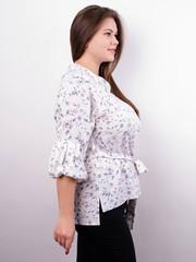 Мила. Стильная блуза больших размеров. Белый+цветы.