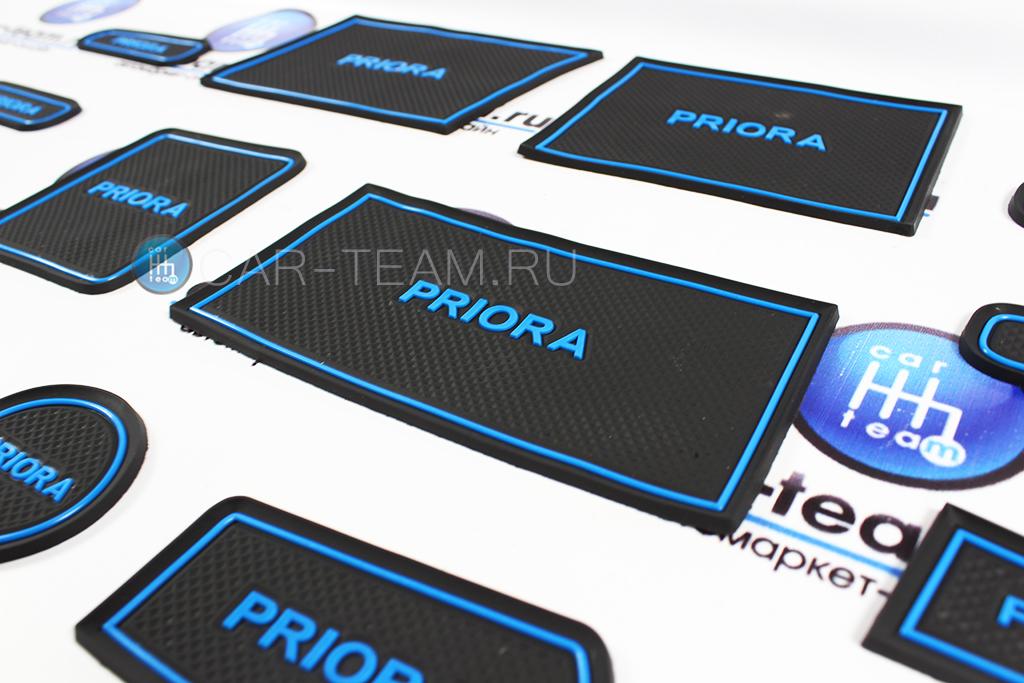 Комплект ковриков панели приборов и консоли на Лада Приора 1