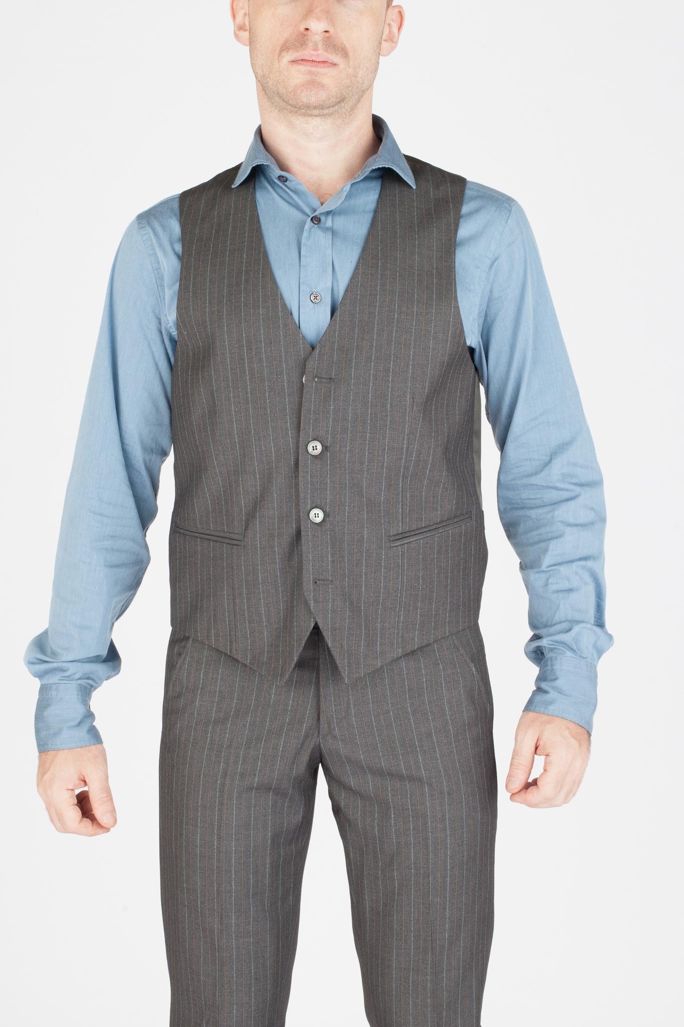 Серый шерстяной костюм-тройка