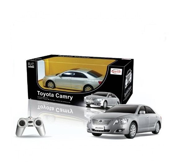 Машинка Toyota Camry на радиоуправлении