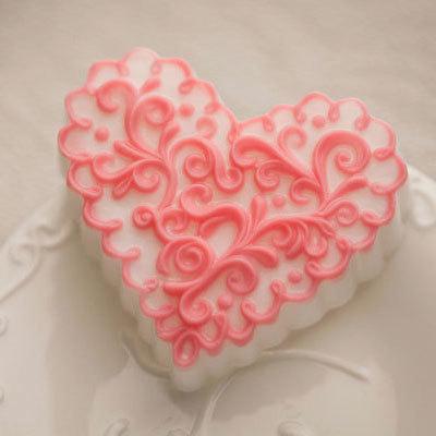 Пластиковая форма для мыловарения Сердце-волна