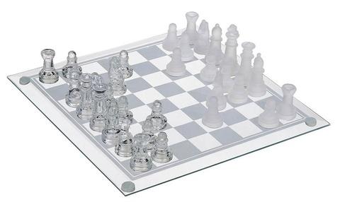 Игра «Стеклянные шахматы»