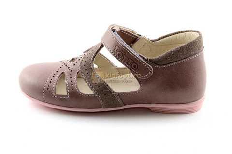 Туфли Тотто из натуральной кожи на липучке для девочек, цвет ирис серобежевый, 10207A. Изображение 3 из 12.