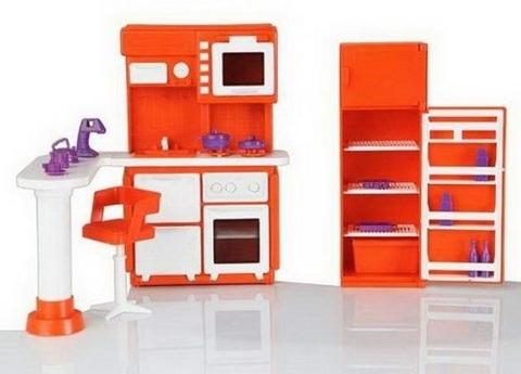 размер упаковки 31*31*9см  В комплект игрушки входят:  Плита с раковиной в сборе - 1 шт., Холодильник - 1 шт., Стол - 1 шт., Подставка стола в сборе - 1 шт., Стойка стула в сборе - 1 шт., Сиденье стула - 1 шт., Полукорпус миксера левый - 1 шт., Полукорпус миксера правый - 1 шт., Чашка для миксера - 1 шт., Насадка для миксера - 1 шт., Подставка для яиц - 1 шт., Сковородка - 1 шт., Корпус чайника - 1 шт., Дно чайника - 1 шт., Ручка чайника - 1 шт., Судок - 1 шт., Кастрюля - 1 шт., Чашка - 2 шт., Блюдце - 2 шт, Крышка - 2 шт., Пакет - 2 шт., Бутылка - 2 шт., Пробка бутылки - 2 шт.