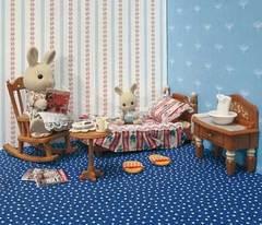Sylvanian Families Спальная комната с Флорой и малышом Робби (2504)