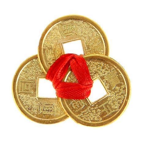 Связка 3 монет средняя