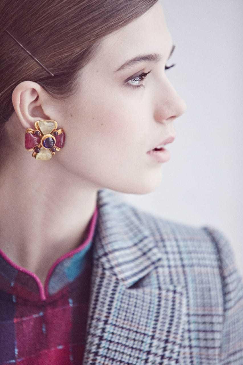 "Клипсы Chanel ""Мальтийский крест"" со стеклом Gripoix  |  Chanel Gripoix Maltese Cross Clip-on Earrings"