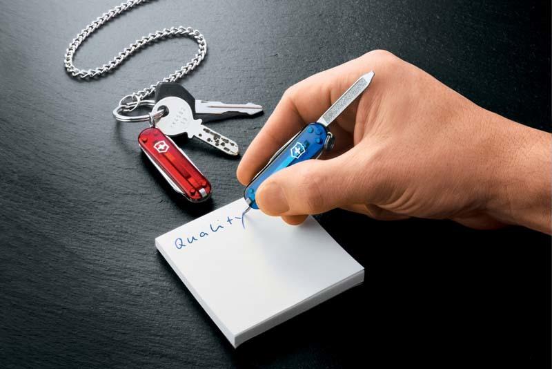 Нож-брелок Victorinox Signature с шариковой ручкой | Wenger-Victorinox.Ru