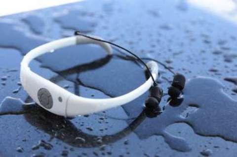 Aqua Pleer Music Sports Swimming IPX8 FM MP3 Плеер 8GB водонепроницаемый (белый)