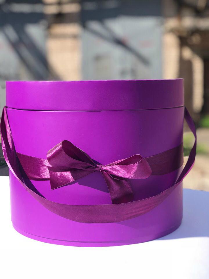 Шляпная коробка 32 см Цвет: Фиолетовый . Розница 700 рублей .