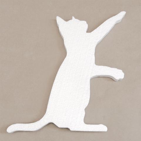 Кот из пенопласта