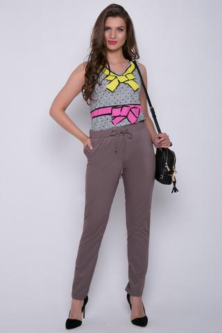 <p><span>Очень удобные летние брюки с карманами. Пояс на резинке. (Длина 100 см)</span></p>