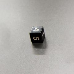 Куб D6 мраморный: Черный 16мм с цифрами